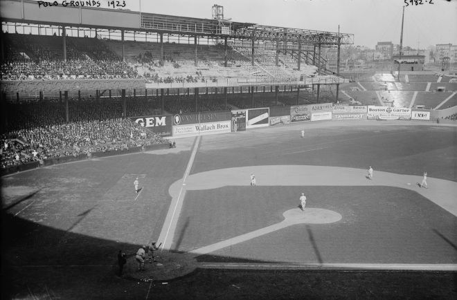 Polo_Grounds_1923