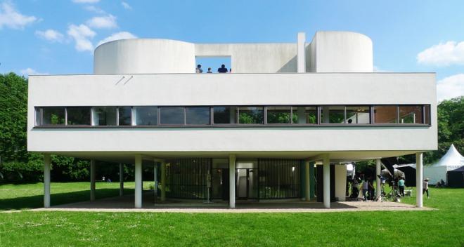 villa-savoye-near-paris-france_le-corbusier_unesco_flickr-august-fischer_dezeen_936_0-1
